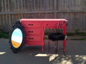"""FRENCH PROVINCIAL 3 PIECE VANITY SET - WATERMELON PINK """"BARONET"""""""