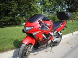 CBR 600 F4 - Certified, perfect conditions and several parts Stratford Kitchener Area image 3