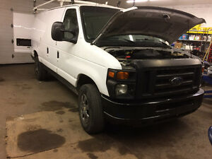 2010 Ford E-250 Cargo Van runs and looks like new full satety