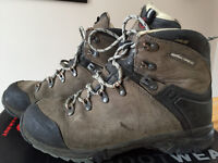 Mammut Mt.Crest GTX Men's 7.5 / Women's 9 Hiking Boots