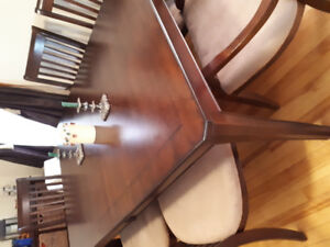 Reduce price to 700.00 Dinning room table pure oak