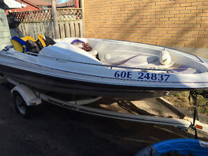 Doral Jetboat 14' with Trailer and Accessories