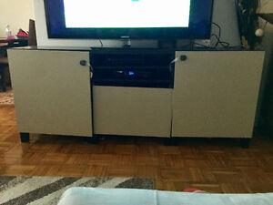 Nice TV stand