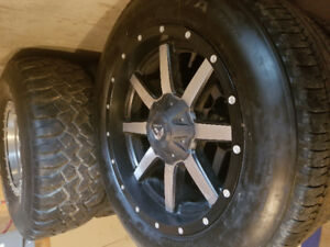 20x9 fuel mavericks 275 55 20 bf long trails