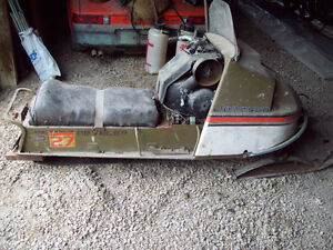 vintage Johnson Reveler 27 snowmobile omc opposed twin engine Windsor Region Ontario image 1