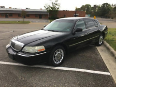 2008 Lincoln Town Car Signature L Sedan