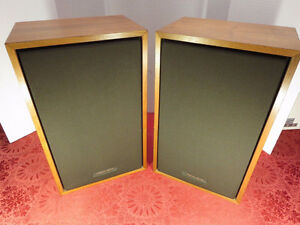 Realistic MC-1201 Bookshelf/Front Speakers(pair)