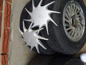 MOTOMASTER 215-60-R15 6 MOUTH OLD ON FORD WINSTAR RIMS Kitchener / Waterloo Kitchener Area image 4