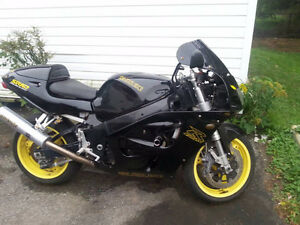 1997 -SRAD GSXR project bike Nearly complete
