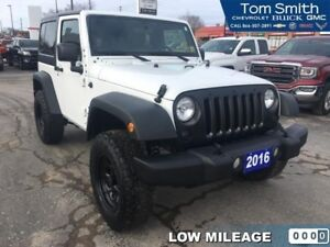 2016 Jeep Wrangler Sport  REMOVABLE HARD TOP/LOW KMS
