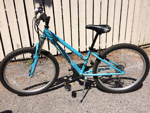 "Girl's Norco ""Groove"" 24"" BMX suspension bike in great condition"