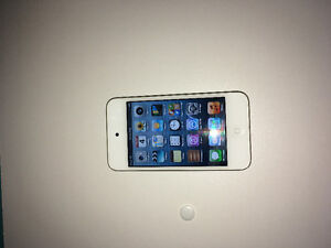 White iPod Touch 32gb