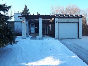 3+1 Bedroom Home in Lacombe Park