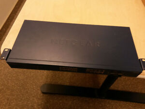 NETGEAR - ProSafe 16-Port Gigabit Smart Switch -GS716T