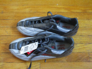 Boys Soccer Shoes Size 5
