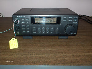 Radio Shack PRO 2045 200 Channel Scanner