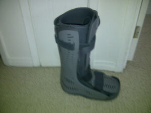Crutches, Fracture boot