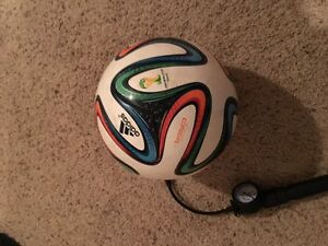 WORLD CUP 2014 ADIDAS BRAZUCA OFFICIAL MATCH BALL with ballpump