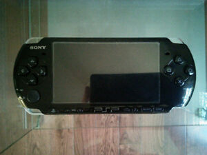 New Playstation Portable PSP with charger and 14 games