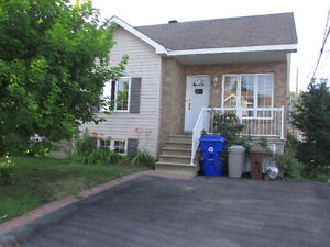 Beautiful house for rent Aylmer-Gatineau/Belle maison a louer