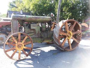 Recherche roues de tracteur Fordson modèle F