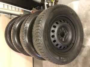 Michelin 225 65 17 snow tires w/rims LIKE NEW