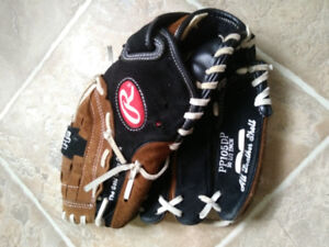 Left hand baseball glove youth size10 1/2""