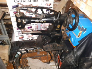 """Leather sewing machineSinger 1930s  model """"29k58"""""""
