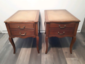 Table chevet/Table salon antique/Living room or bedside tables