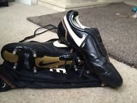 Nike Ronaldinho boots size 11