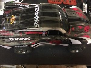 Traxxas 4x4 brushless slash rc