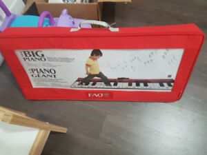 FAO Schwartz giant piano toy avail until dec 7