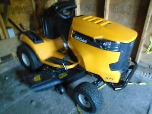 Lawn tractor mower