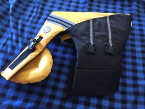 Sierra Dog Supply - new - size medium dog life jacket