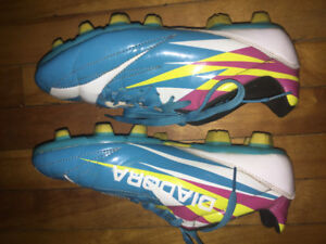 Size 7.5 Womens Soccer Cleats