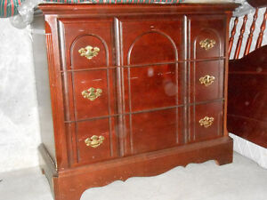 Dresser and matching single bed