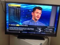 32 INCH LED SLIM TV, FREEVIEW, USB, ORIGINAL REMOTE. FULLY WORKING. NO OFFERS!!