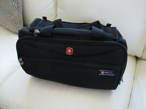 Swiss Gear luggage tote