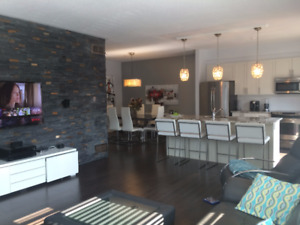 Stylish Top Level (3) End Unit Condo available for November 1