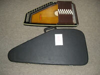Anjoharp autoharp-great condition with hard case & instructions