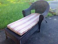Recamier ou chaise longue en rotin synthetique