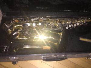 A vendre Saxophone Alto de marque Severin