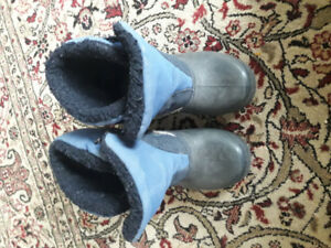 Toddler winter boots size 10