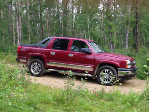 LOADED 2005 CHEV LT AVALANCHE FOR SALE