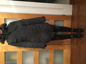 XS GREY ARITZIA COMMUNITY  DOWN FILL PARKA