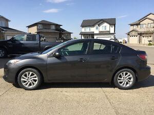 2012 Mazda3 GS-SKY Sedan (with warranty)