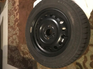 SELLING 4 FIAT 500C Winter Tires