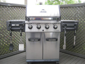 Broil King Regal 420 Stainless Steel 4 Burner Propane BBQ