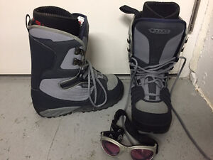 VANS Snowboard Boots in Mens Size 10