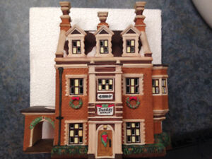 DEPARTMENT 56 - DICKENS - DURSLEY MANOR #58329 - H 85